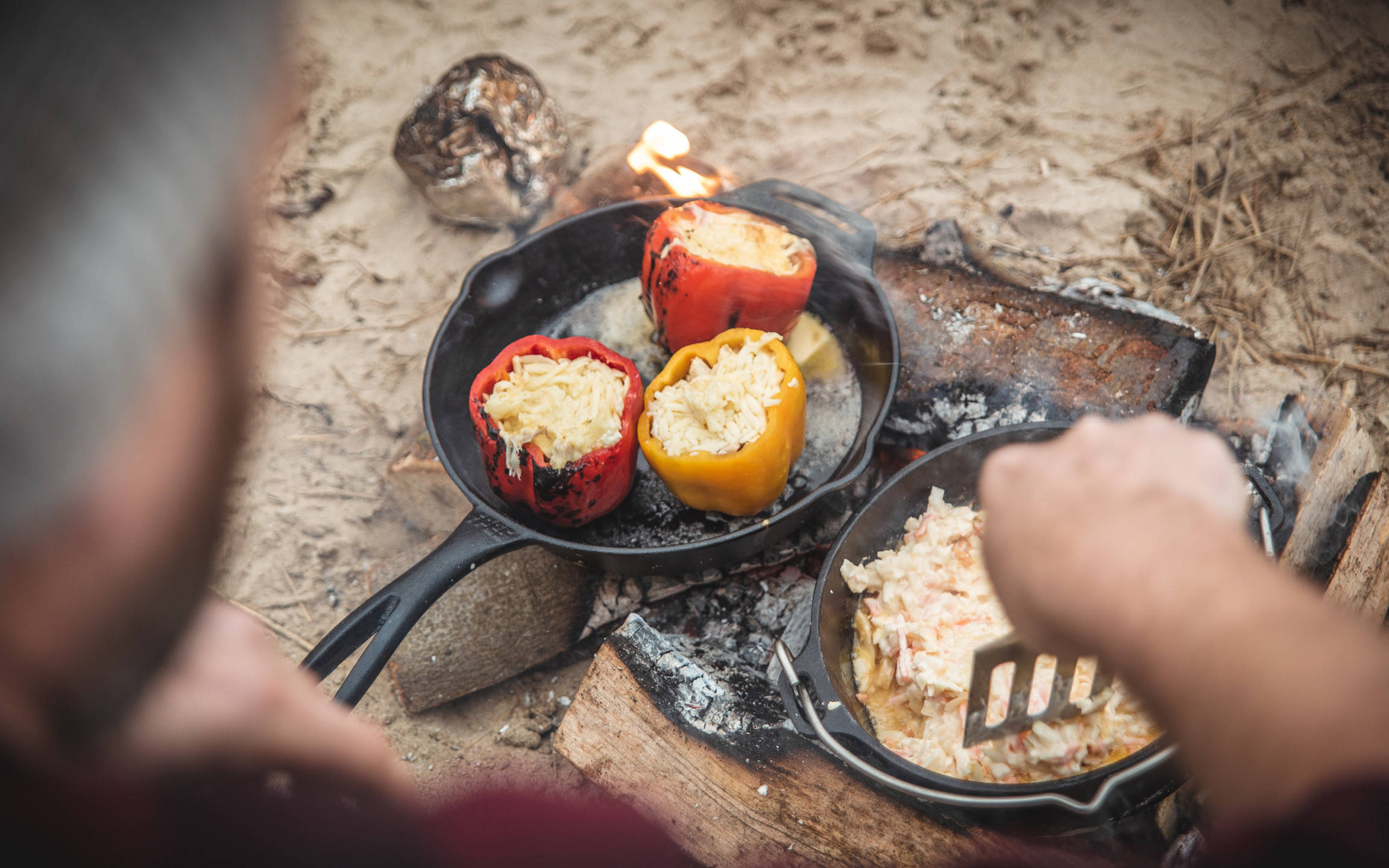 Campfire cooking cast iron skillet dutch oven