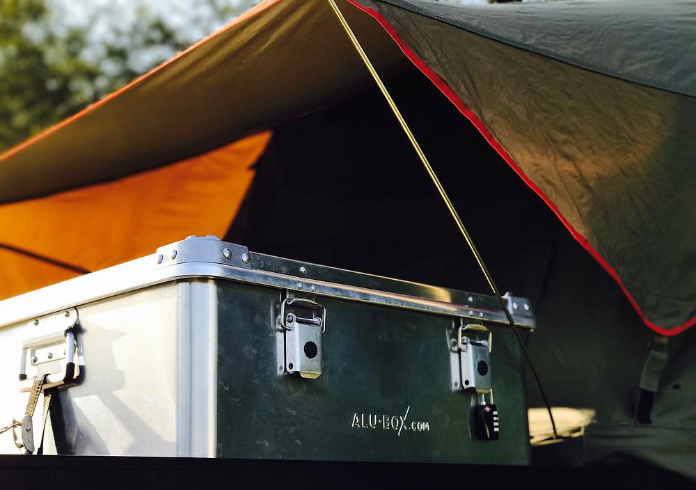 Alu-Box on roof rack