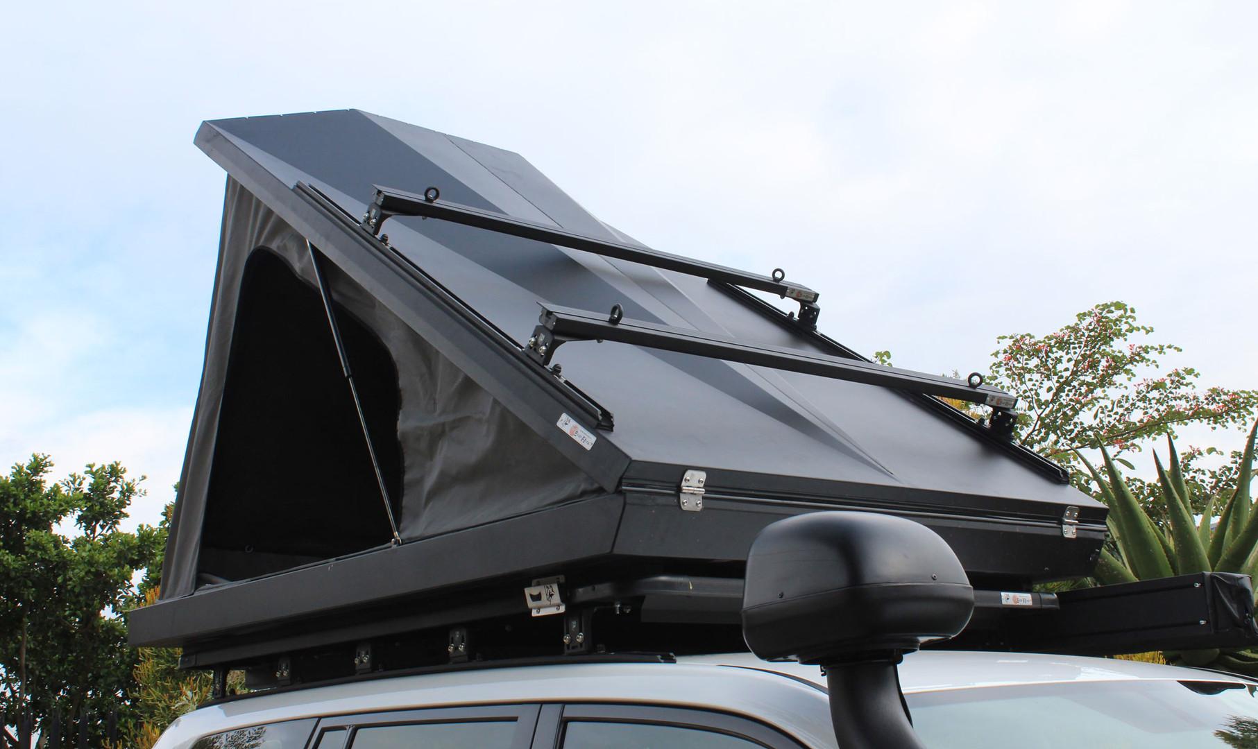 Eezi-Awn-Blade-Tent-13-feature.jpg