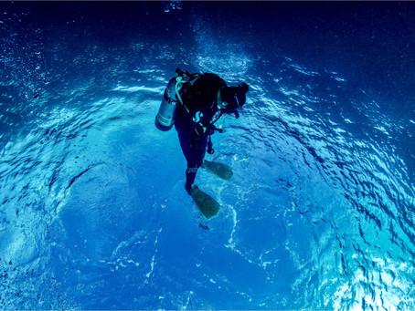 『技巧』成為一個水中飛人-中性浮力篇
