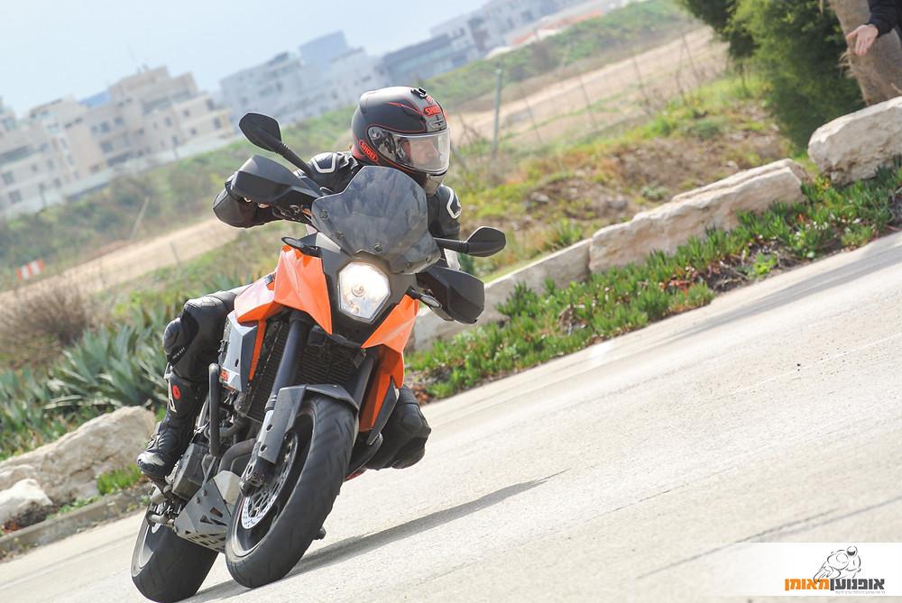 אופנוע, קטמ, אופנוען מאומן, כביש