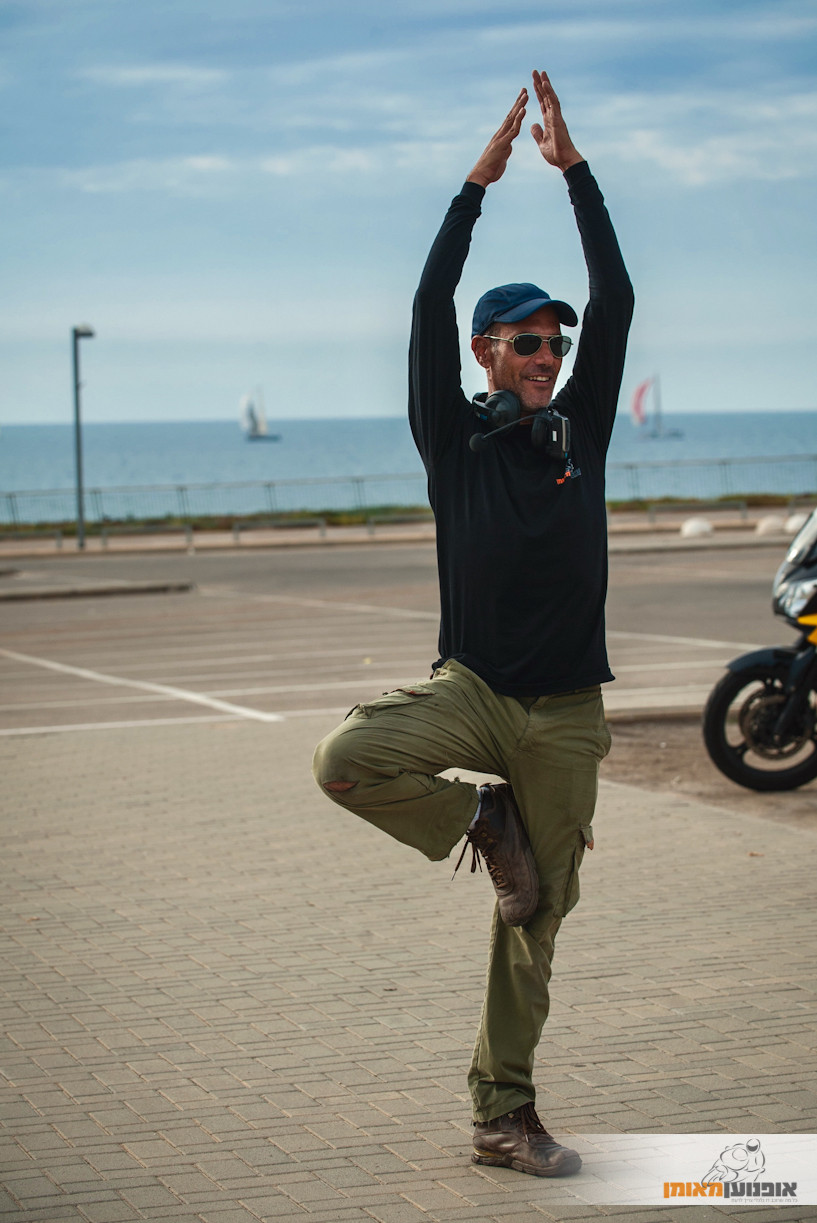 עמידת יוגה, ניב חיימי, אופנוען מאומן