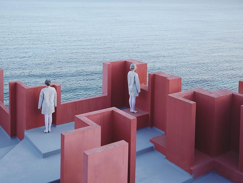 Photographer Lara Zankoul artistic shot of two girls on a platform