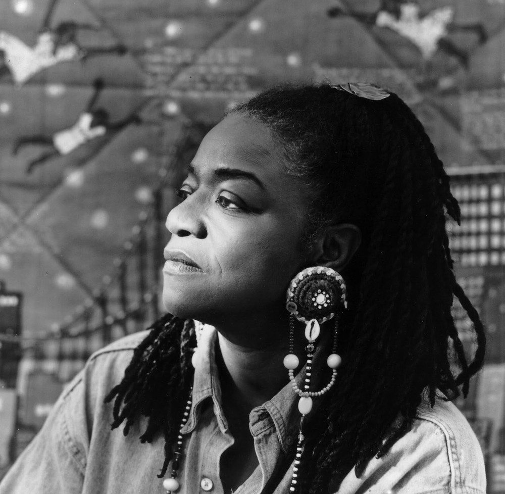 Black and white shot of black artist and painter Faith Ringgold