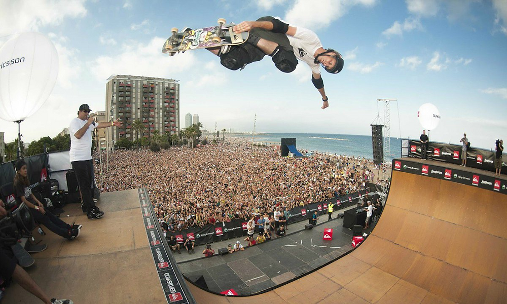 TOny hawk during one of his shows