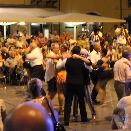"""""""LISCIO"""" DANCING AND STANDARD DANCES: AN ART FULL OF TRADITION"""