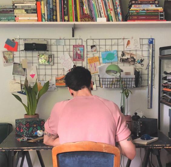 "illustrator MAurizio onano ""mowri"" at work"