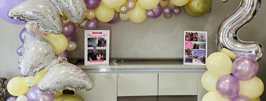Small balloon Arch with number column deal