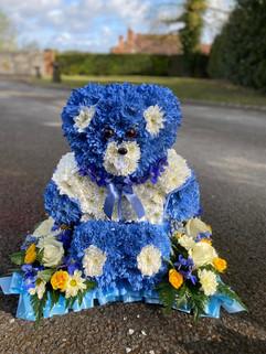 Teddy tribute by taylor designs, chobham, surrey.JPG