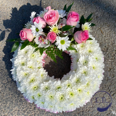 based wreath funeral tribute.PNG