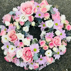 mixed pink wreath funeral flowers, chobham, surrey