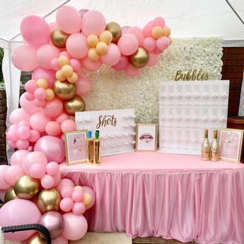 half arch balloon set up, Surrey.jpg