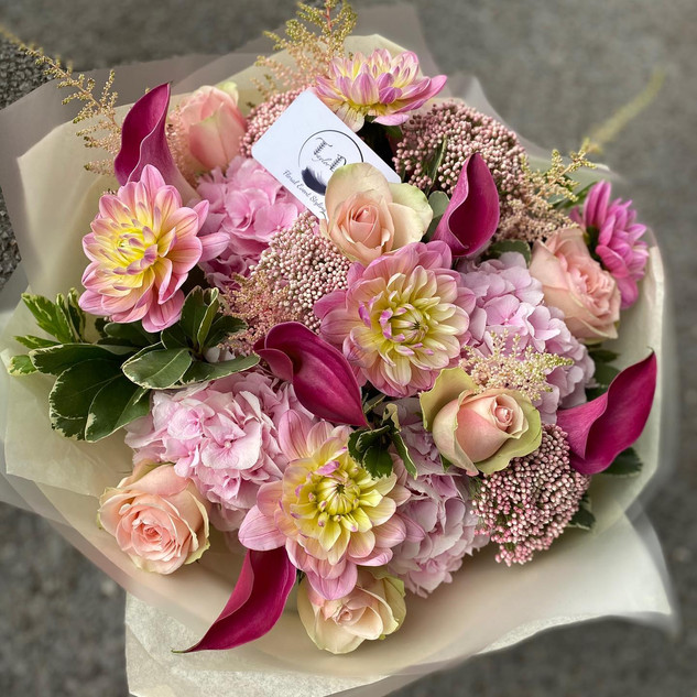 Hydrangea, Calla lilly and roses in a go