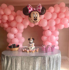 Minnie Mouse balloon arch for a special