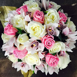roses and orchid bouquet