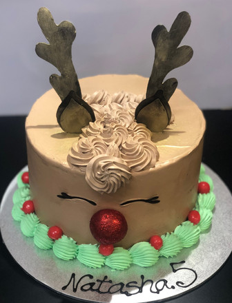 4me gluten free reindeer themed cake