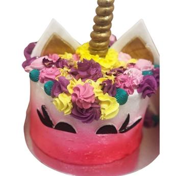 pink unicorn cake