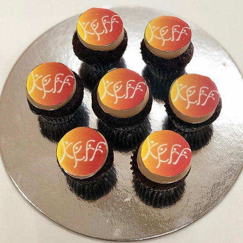 logo cup cakes