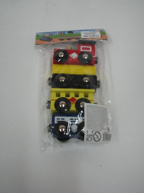 03-773-1 Деревянная игрушка. Поезд магнитный. (РК)