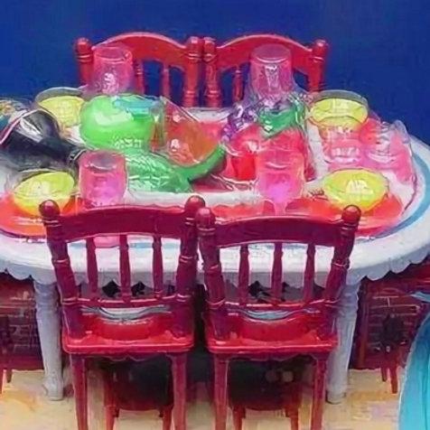 10-576-69   Стол. стулья + посуда на 4 персоны 2 блк 72шт