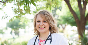 Stephanie | TTUHSC 2015 School of Medicine Graduate | Lubbock Portrait Photographer