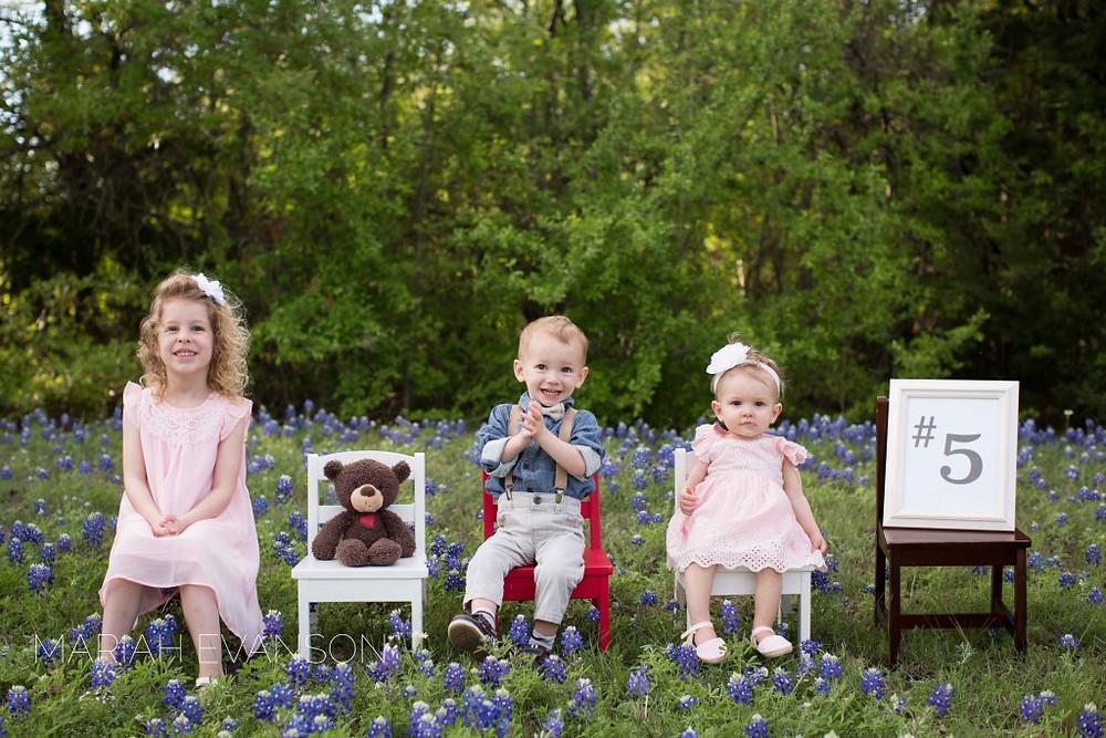 bluebonnet family pictures pregnancy announcement