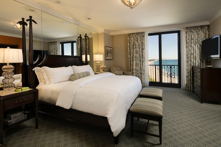 Breakers Resort Suites