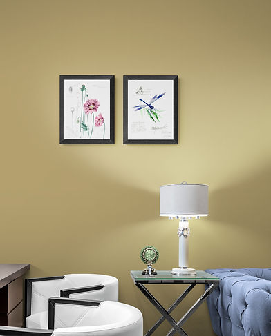 Hotel_room_interior_with_bright_table_la