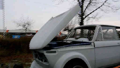 BMW02-Motorhaube