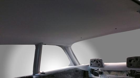 BMW-02-XXL-Innenausbau-Lackierfertig hergestellt