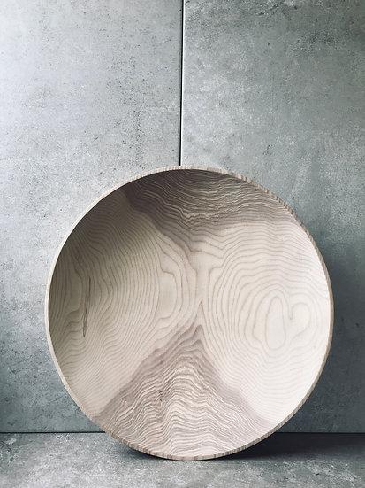 Large bowl in ash