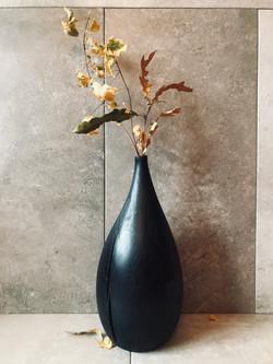 Scorched oak vase hand carved by UK woodworker and craftsman Jamie Gaunt