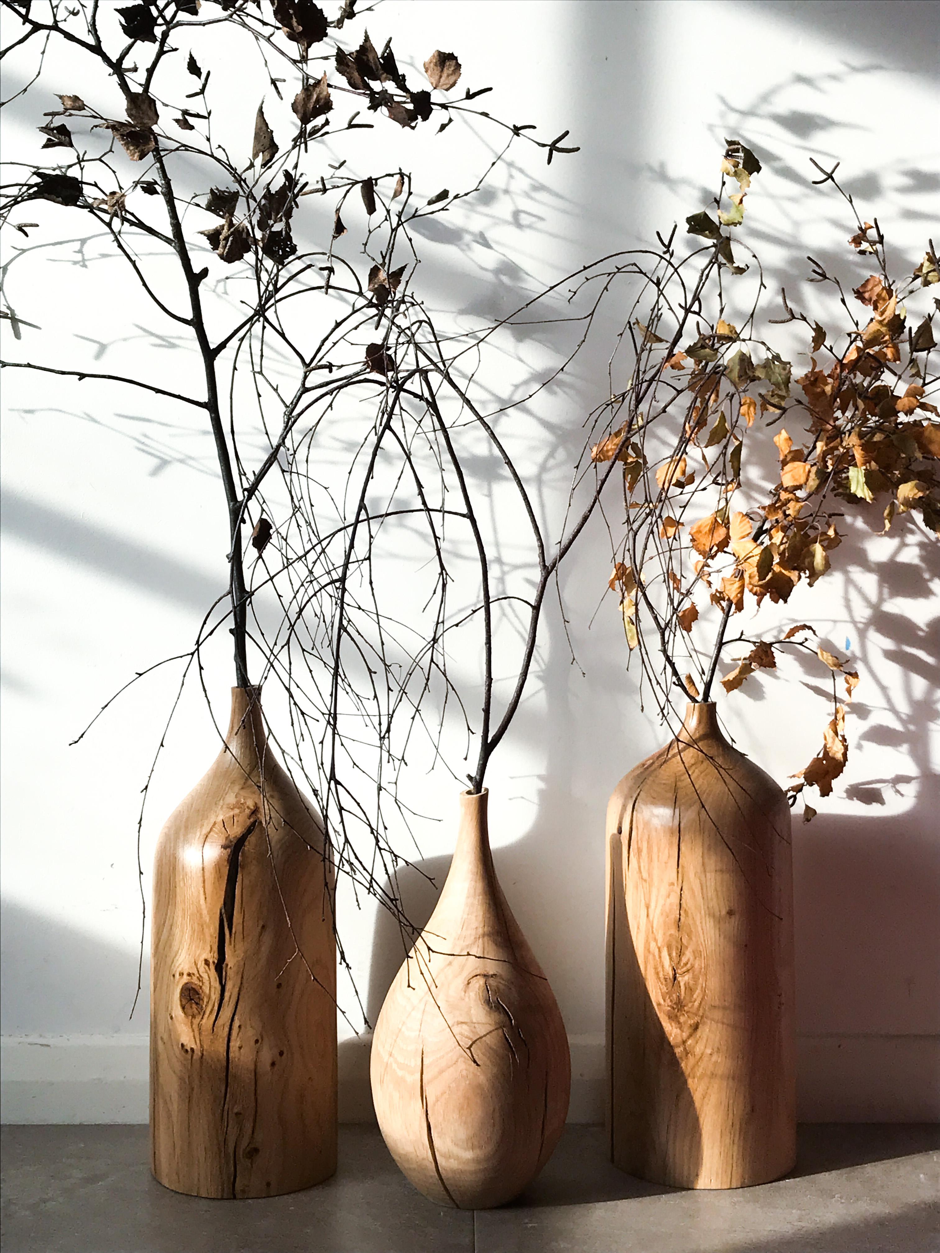 Carved oak vase by woodworker Jamie Gaunt