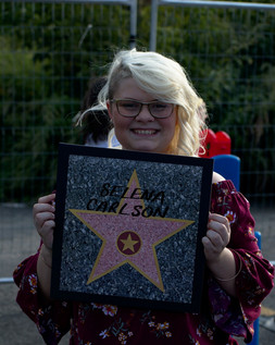 Selena all smiles with her Walk of Fame