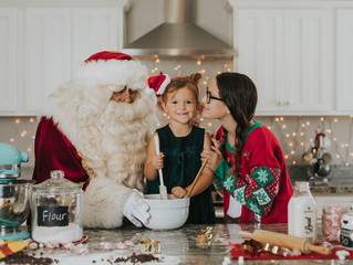 Baking Cookies with Santa | Yuma Photographer