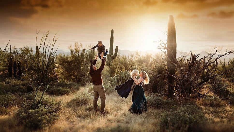 Tucson family photographer Saguaro National Park