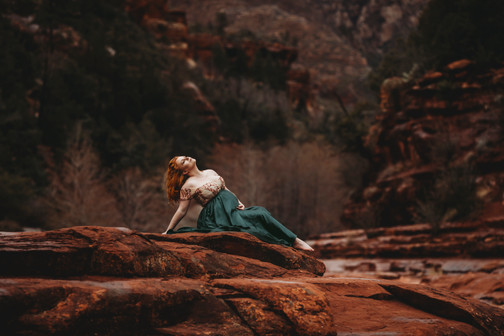 Sedona maternity photographer