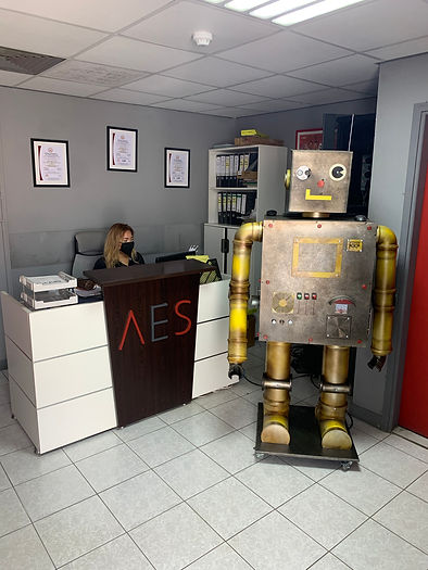 Robot copy.jpg