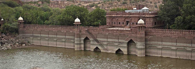 WelcomHeritage Bal Samand Lake Palace, Jodhpur