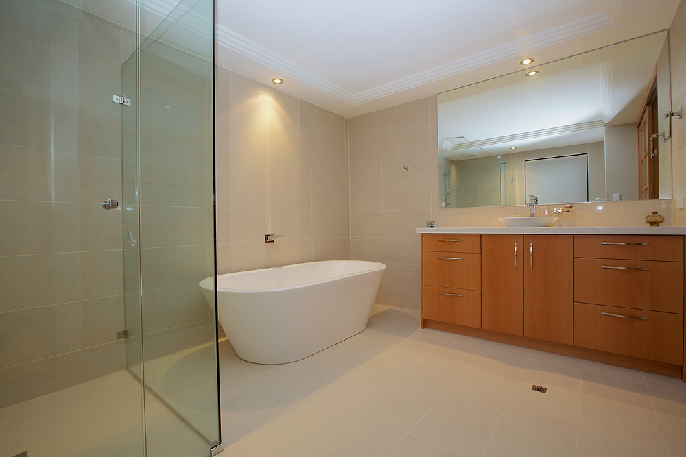 shower and tub bathroom renovation