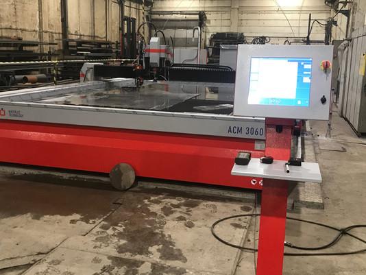 Kongshavn Marine AS har installert ett nytt vannskjæringbord