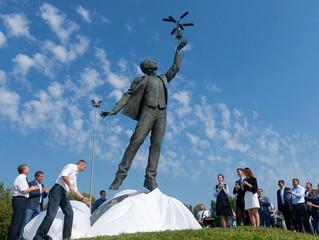 Завершение большого проекта 3Д печати и 3Д сканирования скульптуры авиаконструктору Игорю Сикорскому