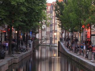 Первый 3D напечатанный металлический мост в Амстердаме.