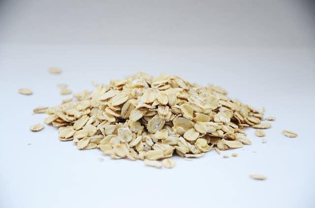 flocons d'avoine, porridge, petit-ddéjeuner