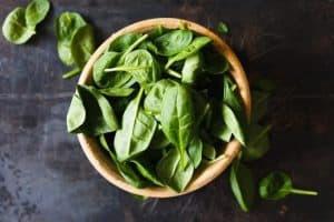 Épinards, l'un des meilleurs aliments sains
