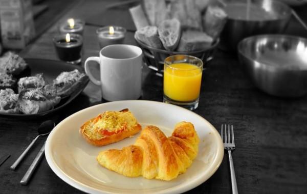 prendre un bon petit déjeuner pour éviter les nausées