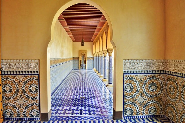 oriental garden, ambulatory, tiles