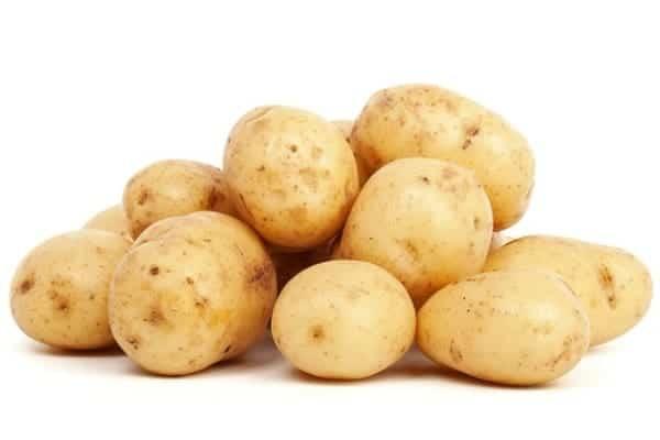 Utiliser du jus de pomme de terre pour effacer les vergetures
