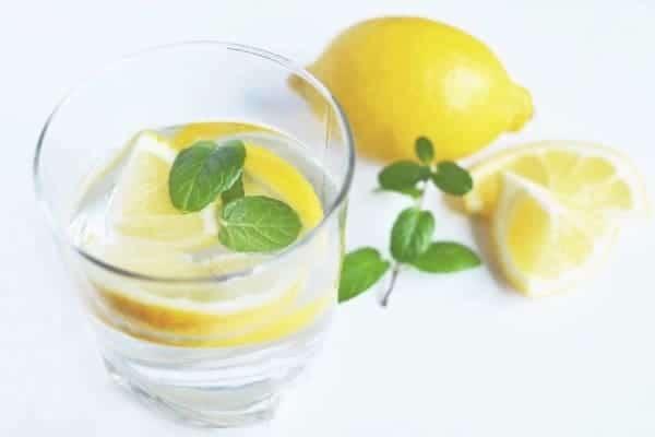 Le jus de citron comme remède contre les points noir
