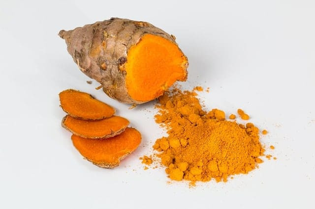 Turmeric powder to fight eyes infection